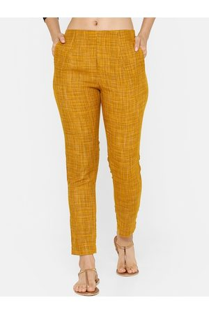 De Moza Women Mustard Yellow & Black Tapered Fit Checked Cropped Cigarette Trousers