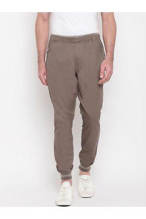 SAPPER Men Grey Slim Fit Solid Joggers