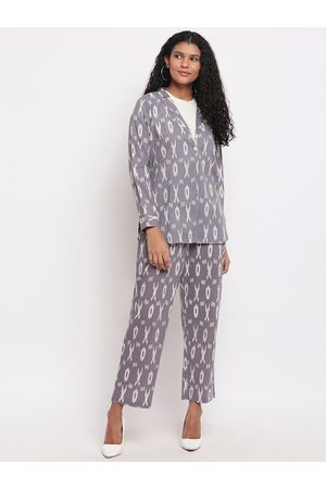 FABNEST Women Grey & White Printed Coat with Trousers