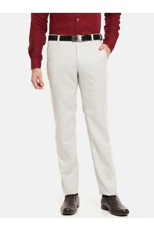 Chennis Men Off-White Slim Fit Solid Formal Trousers