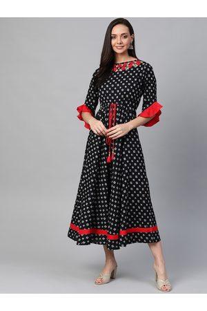 Yash Gallery Women Black & Off-White Printed A-Line Dress