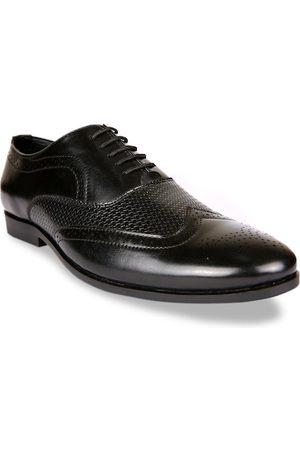 San Frissco Men Black Textured Formal Brogues