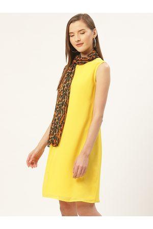 Trend Arrest Women Charcoal Grey & Orange Leopard Printed Stole