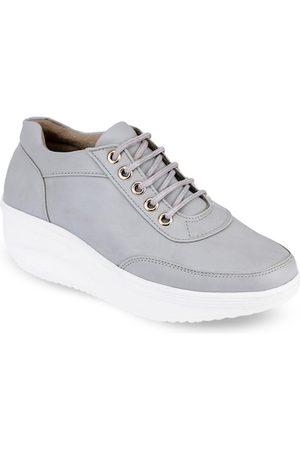 VALIOSAA Women Grey Solid Flatforms