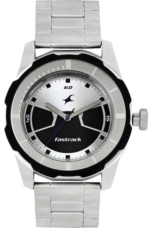 Fastrack Men Silver-Toned & Black Dial Watch 3099SM02