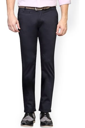 Peter England Men Black Skinny Fit Solid Chinos