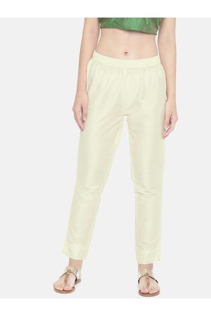 GO COLORS Women Cream-Coloured Tapered Fit Solid Regular Trousers