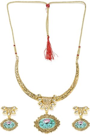 Zaveri Pearls Gold-Plated Lotus Design Traditional Kundan Jewellery Set
