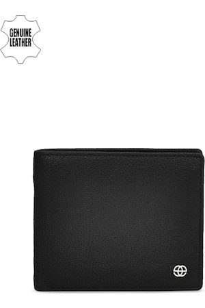 Eske Men Black Textured Two Fold Leather Wallet