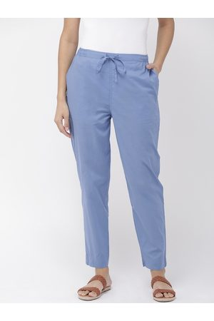 GO COLORS Women Blue Regular Fit Solid Cropped Cotton Trousers