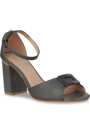 Pelle Albero Women Grey Solid Sandals