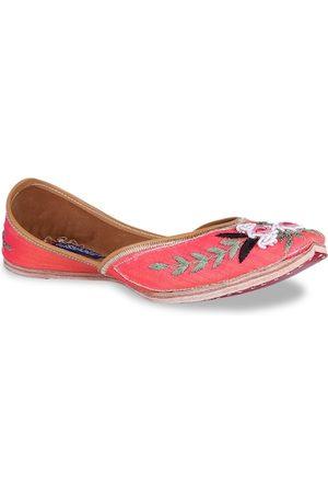 MSC Women Pink Woven Design Leather Mojaris