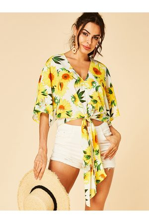YOINS Sunflower Print V-neck Half Sleeves Knotted Crop Top