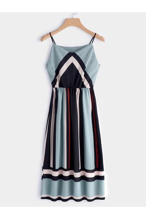 YOINS Color Block V-neck Sleeveless Spaghetti Beach Dress in