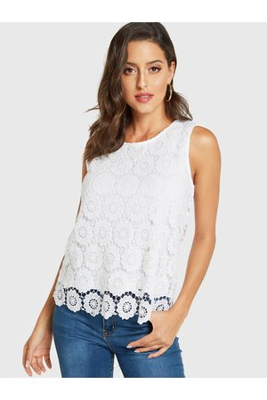 YOINS Lace Round Neck Sleeveless Top