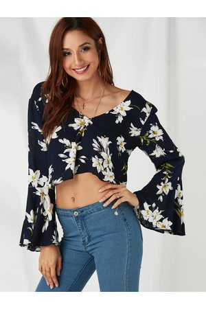 YOINS Random Floral Print V-neck Long Bell Sleeves Crop Top