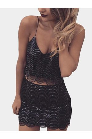 YOINS Fashion Crop Top With Shoulder Strap And Mini Short Sequins Co-ord