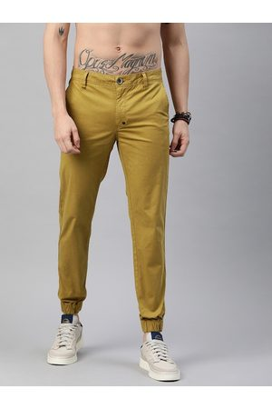 Roadster Men Khaki Regular Fit Solid Joggers