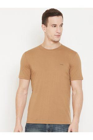 Okane Men Brown Solid Round Neck T-shirt