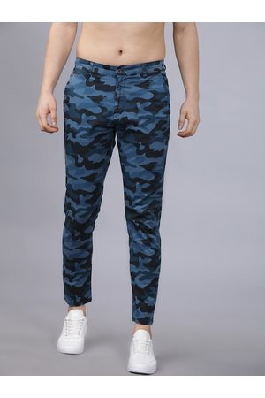 Highlander Men Blue Tapered Fit Camouflage Printed Chinos