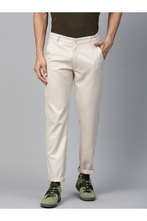 DENNISON Men Cream-Coloured Smart Tapered Fit Solid Cropped Chinos