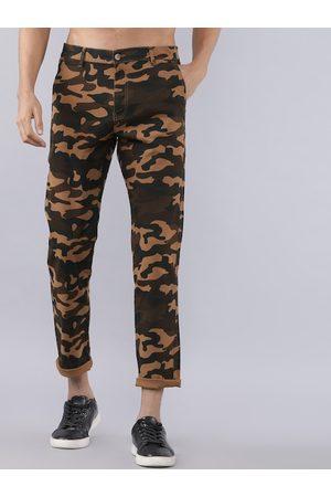 Highlander Men Green & Brown Slim Fit Camouflage Printed Chinos