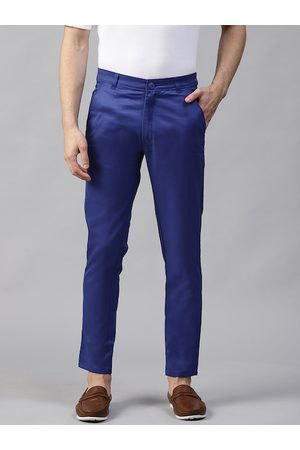DENNISON Men Blue Smart Tapered Fit Solid Chinos