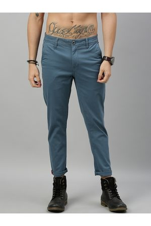 Roadster Men Teal Blue Tapered Fit Solid Cropped Chinos