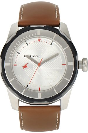 Fastrack Men Silver-Toned Analogue Watch NJ3099SL01C