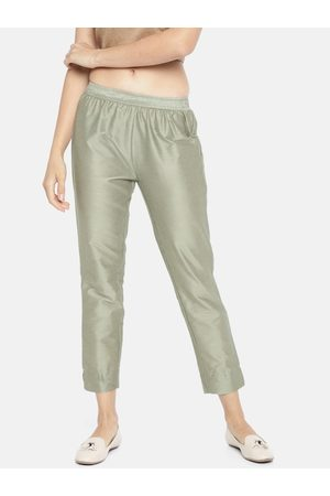 GO COLORS Women Silver Tapered Fit Solid Cropped Regular Trousers