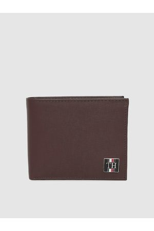 Tommy Hilfiger Men Brown Textured Two Fold Leather Wallet