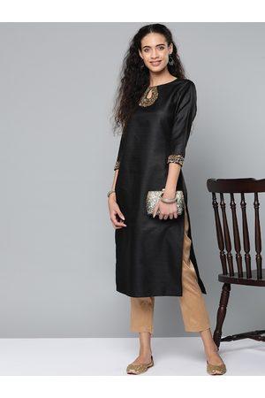 STREET 9 Women Black & Beige Solid Kurta with Trousers