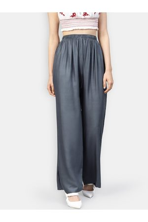 Jompers Women Grey Solid Straight Palazzos