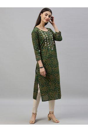 Ishin Women Green Embellished Straight Kurta
