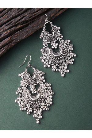 Rubans Women Silver-Toned Contemporary Chandbalis
