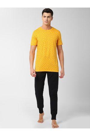 Peter England Men Yellow & Black T-Shirt & Joggers Set