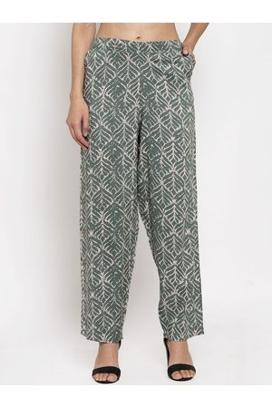 Tag 7 Women Green & Off-White Regular Fit Printed Regular Trousers