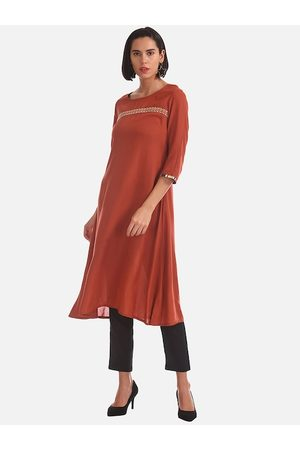 Karigari Women Rust Orange Solid A-Line Kurta With Ethnic Shrug