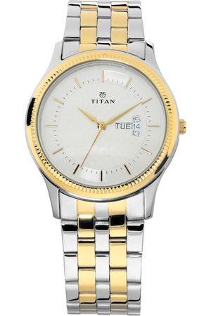 Titan Men Silver-Toned Analogue Watch NM1824BM01