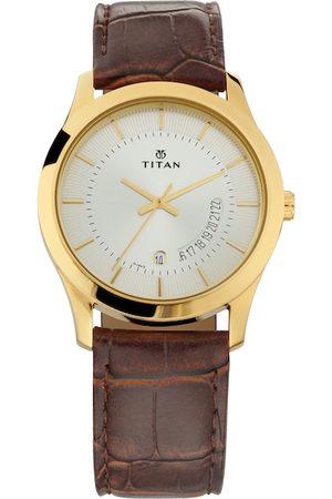 Titan Men Silver-Toned Analogue Watch NM1823YL01