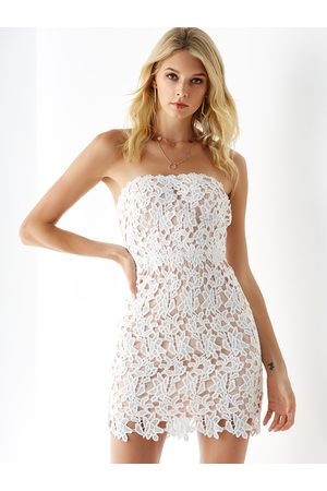 YOINS Crochet Lace Embellished Strapless Dress