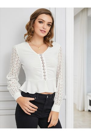 YOINS White Hollow Buckle V-neck Long Sleeves Tee