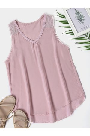 YOINS Sequins Embellished V-neck Sleeveless Top