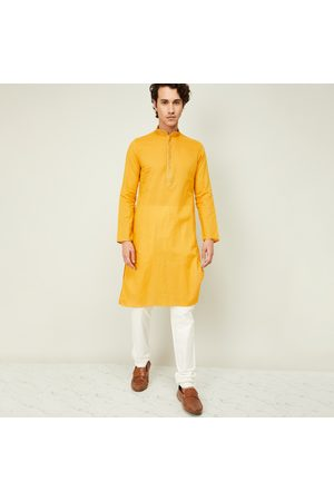 Manyavar Men Textured Kurta with Churidar