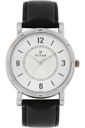 Titan Men Silver-Toned Dial Watch 1639SL03