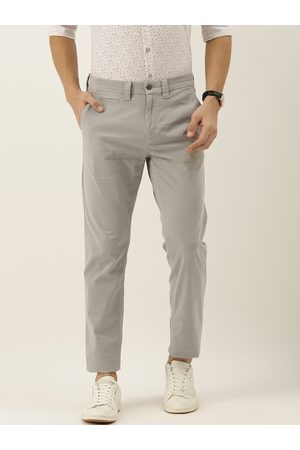 Calvin Klein Men Grey Skinny Fit Solid Cropped Chinos
