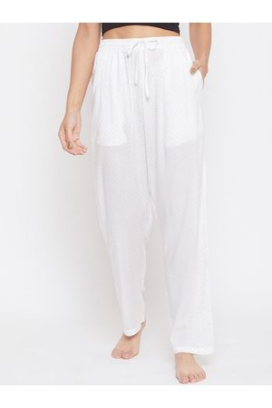 Crimsoune Club Women White Printed Mid-Rise Lounge Pants