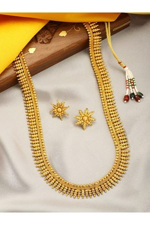 Peora Gold Plated Temple Stone Studded Jewellery Set