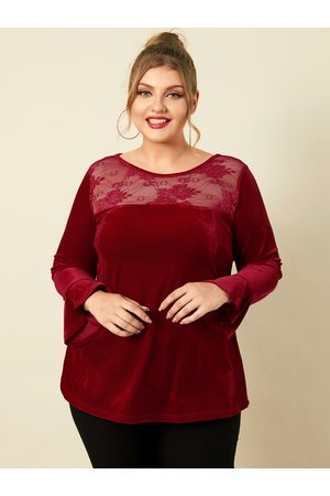 YOINS Plus Size Round Neck Patchwork Lace Christmas Long Sleeves Tee