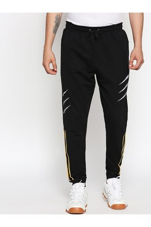 The Souled Store Men Black Wolverine Clawed Printed Bio-Wash Slim-Fit Joggers